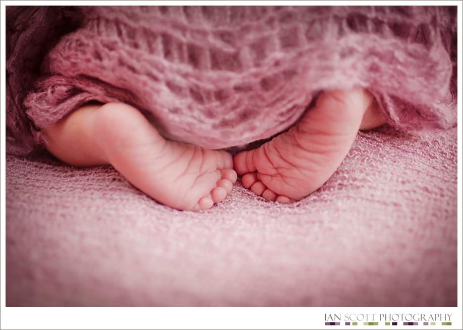 newborn feet photo