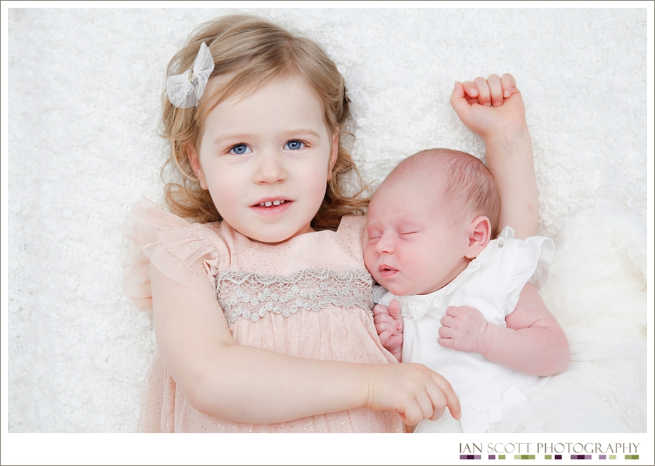 newborn and sibling photo